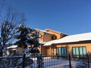 雪の事務所